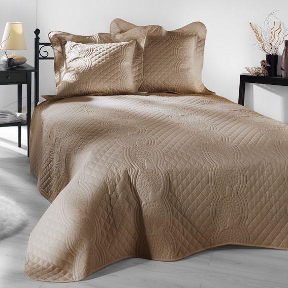 couvre lit matelass nocturne beige eminza. Black Bedroom Furniture Sets. Home Design Ideas