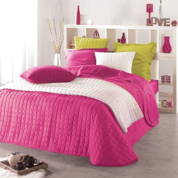 couvre lit 240 x 220 cm matelass venus fuchsia eminza. Black Bedroom Furniture Sets. Home Design Ideas