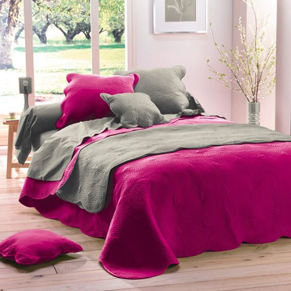 couvre lit matelass boutis fuchsia eminza. Black Bedroom Furniture Sets. Home Design Ideas